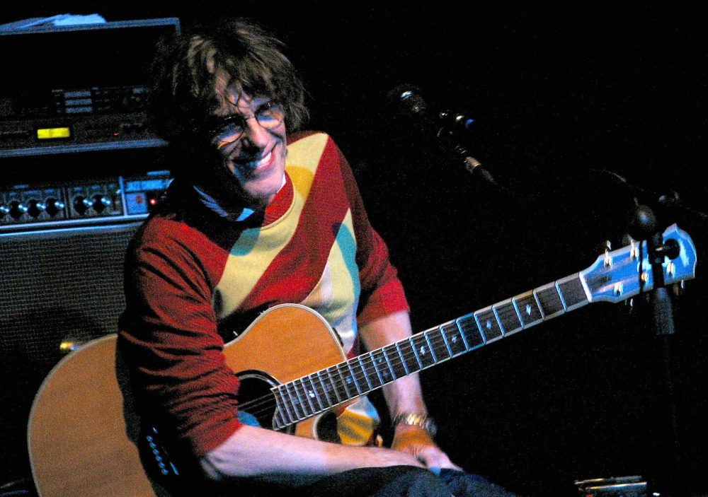 MADRID, SPAIN: Argentinian singer Spinetta plays in concert in Madrid in The Galileo Galilei Club to a box office sell-out crowd 15 November 2003. (Photo credit should read PEDRO ARMESTRE/AFP/Getty Images)